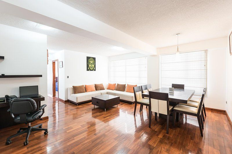 Furnished 2 BR condo in exclusive area of Quito