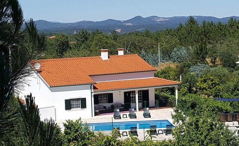3 bed, 2 bath private villa with pool, sleeps 10