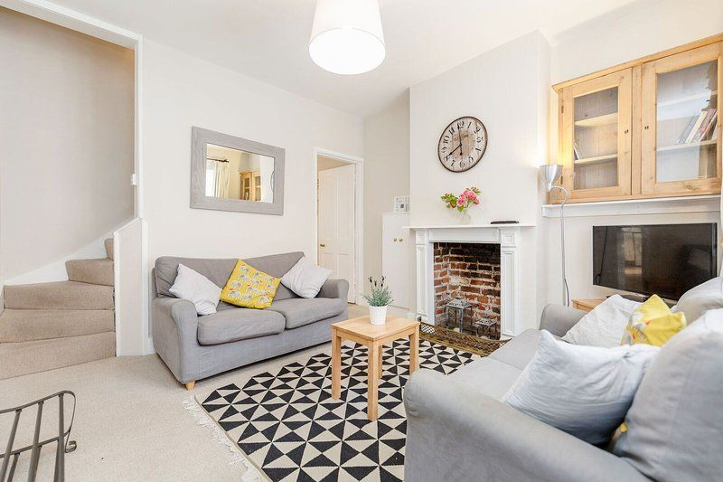 Cosy character cottage in central Winchester