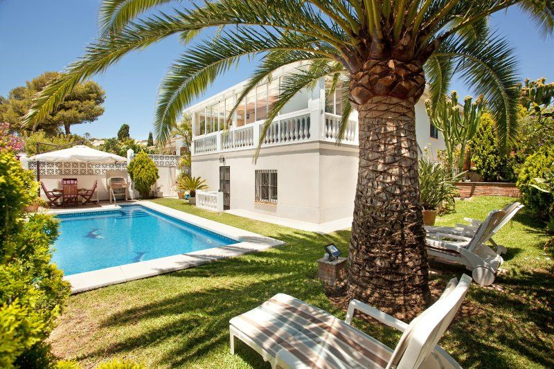 Beach villa in Costabella, Marbella