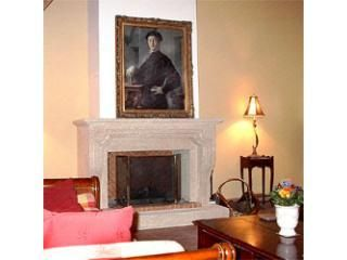 Old Stone House: Lovely 3 Bedroom Menerbes Hilltop House with Fireplace