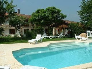 Perfect holiday home with pool in Pyrénées village