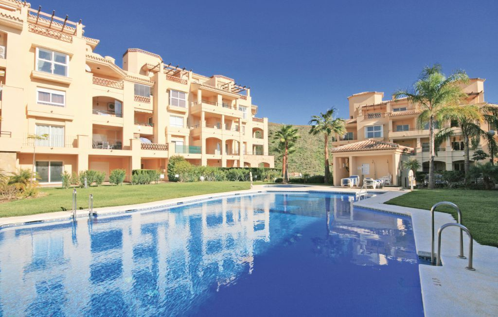 Piso con TV por cable y Parking en Costa del sol