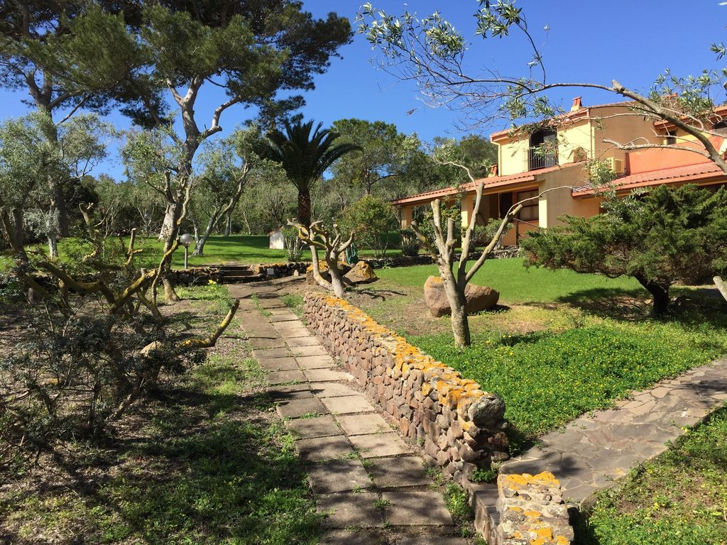 BEAUTIFUL 3 rooms in a semi-detached villa at the sea south of Sardinia
