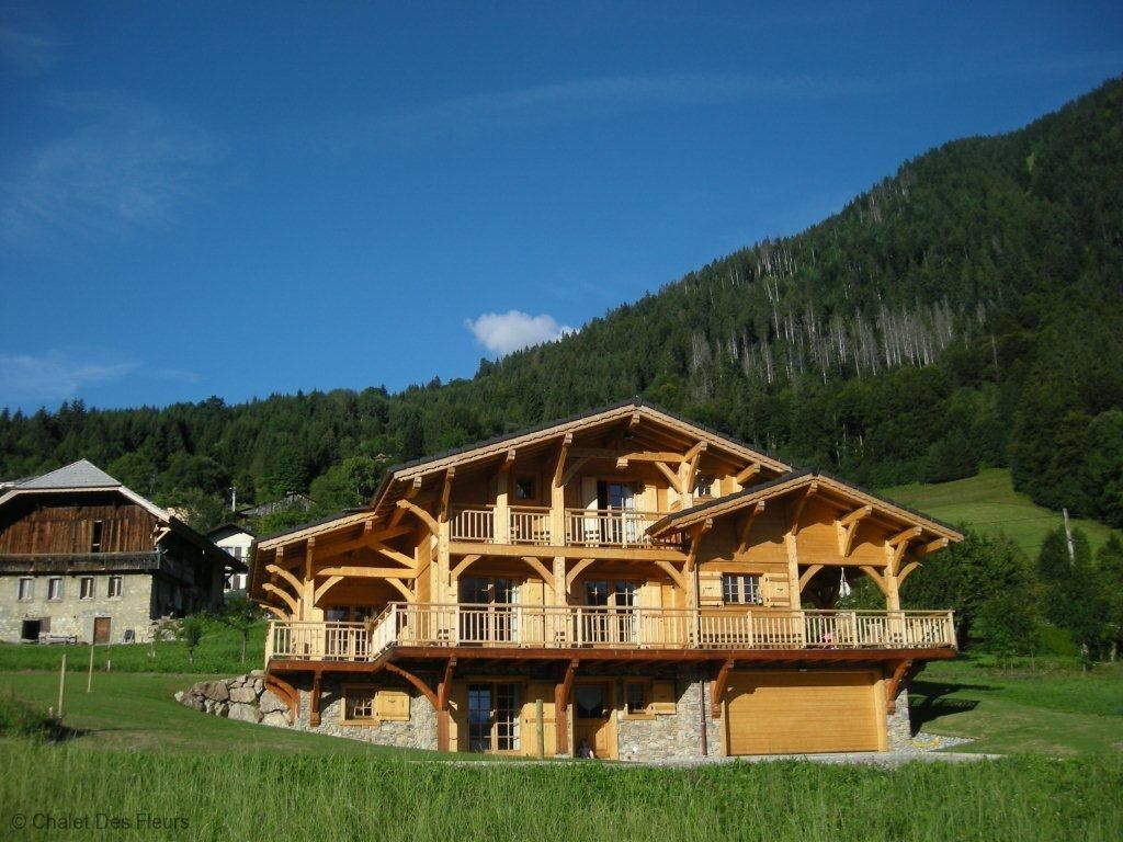 Picture perfect chalet with stunning views. Located near Morzine