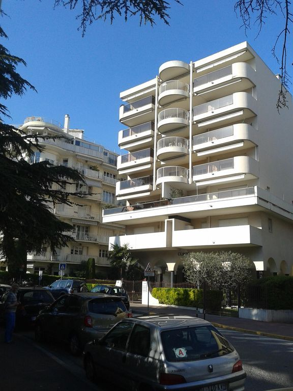 Grand T2 renovated in 2015, air conditioned, quiet terrace, parking s / s Croisette 5