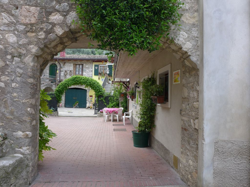 The apartament Elena, comfortable and quiet, is situated in an ancient Village.