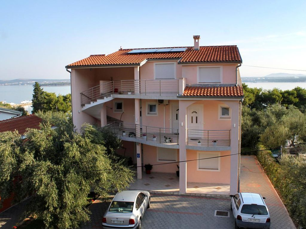 Three bedroom apartment with terrace and sea view Tkon, Pašman (A-6215-a)