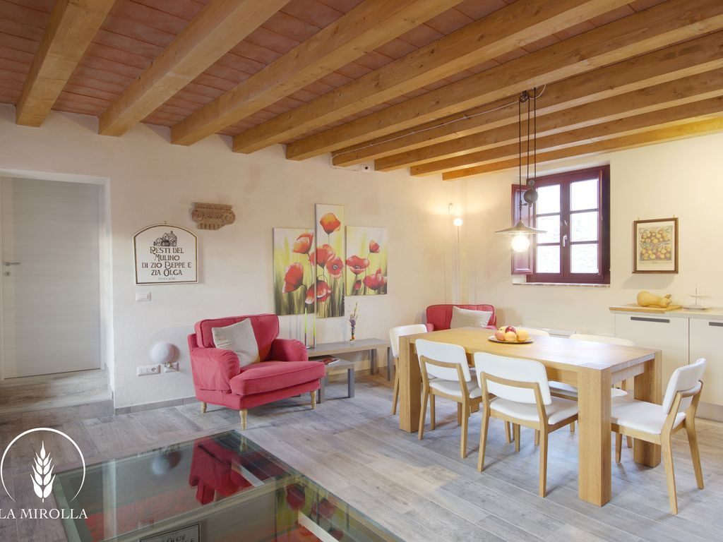 Beautiful Restored Apartment in Lucca Countryside