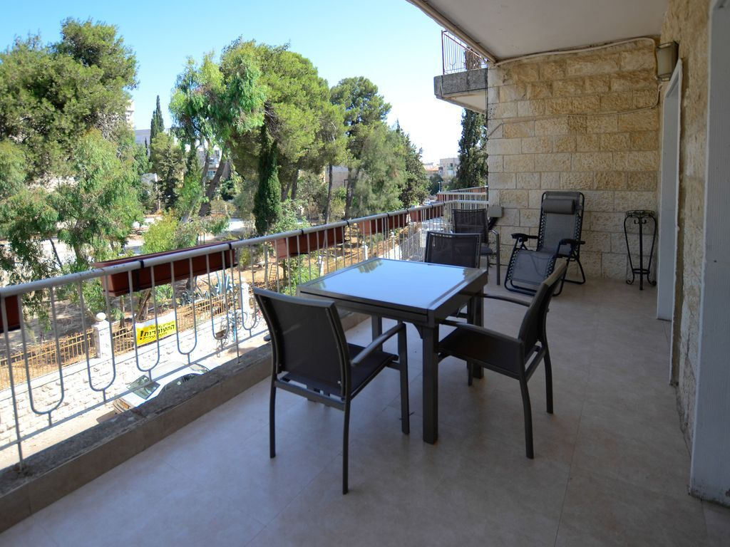 Gorgeous 2 Bedroom Apt in Talbiya